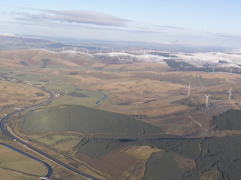 General oblique aerial view of the M74 at Crawford, looking NNW.