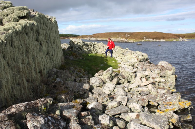 External enclosure at NNE of broch, taken from the SE.