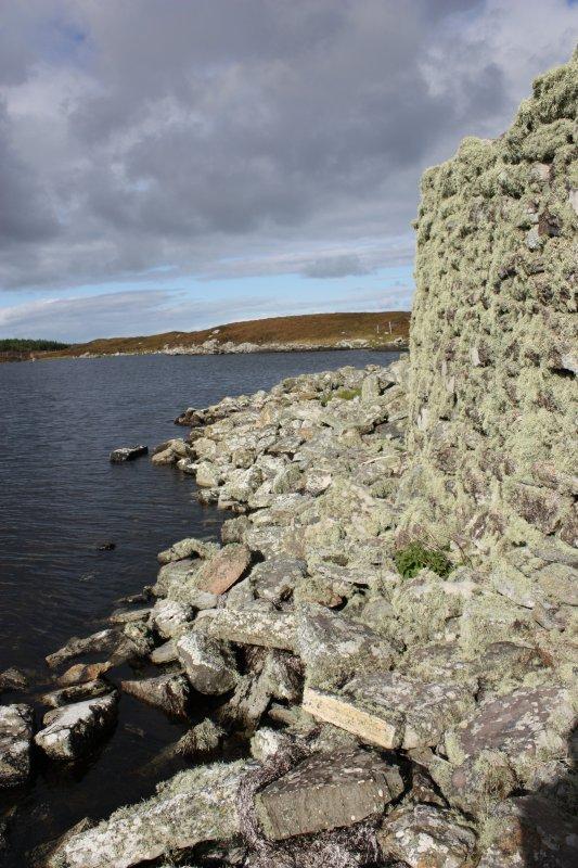 Broch wall at SW, taken from the SE.