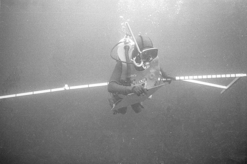Keith Muckelroy with a template designed to measure the large anchor, almost certainly belonging to El Gran Grifón and found some 60m to seaward of the main site in a depth of 23m (1977).