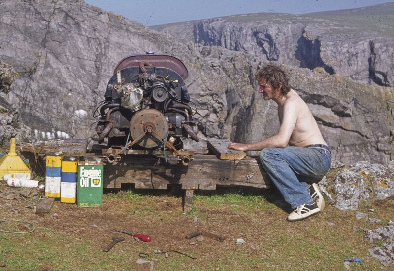 Tony Long servicing the airlift compressor (1977). (Paula Martin)