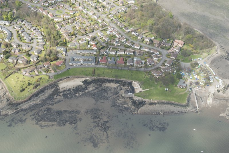Oblique aerial view of Dalgety Bay Old harbour, looking to the W.