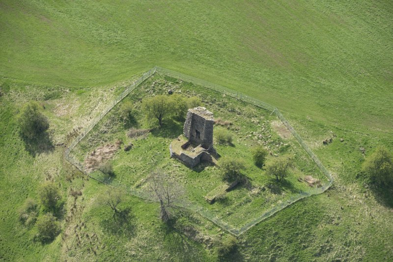 Oblique aerial view of Taringzean Castle, looking to the S.