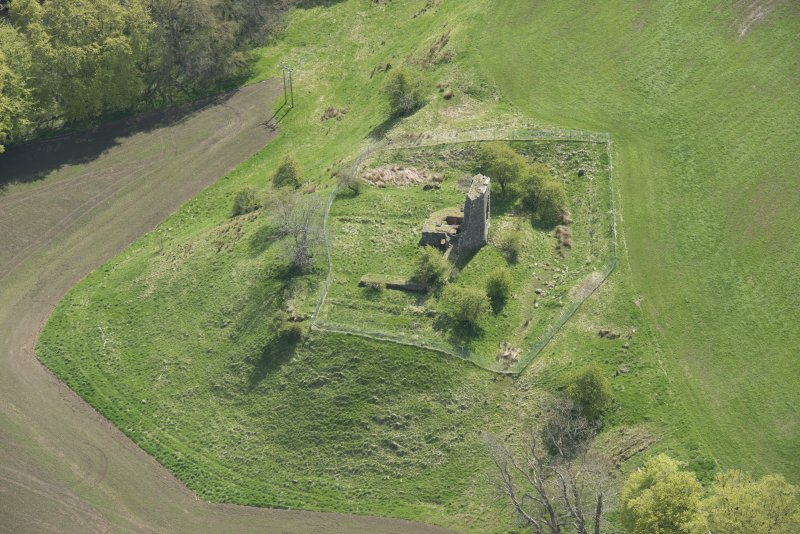 Oblique aerial view of Taringzean Castle, looking to the SE.