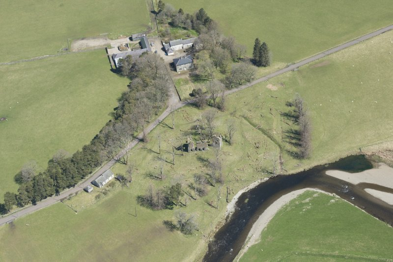 Oblique aerial view of Crawford Castle, looking to the NNE.