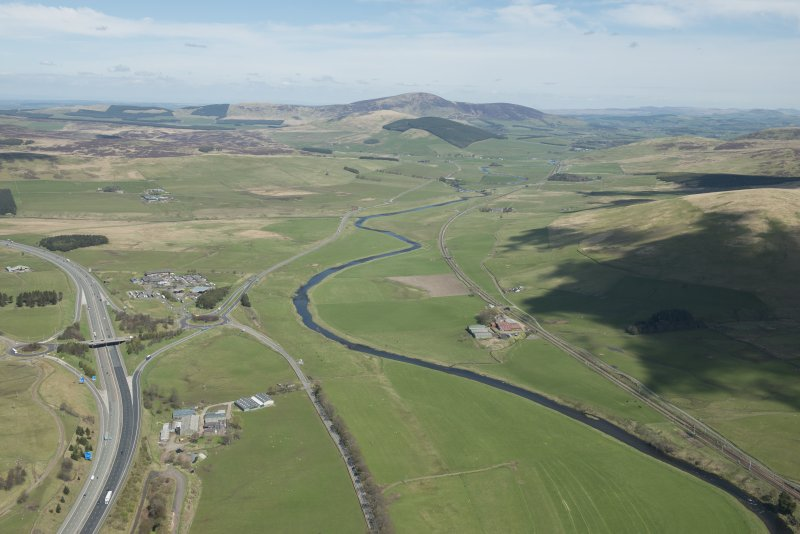 General oblique aerial view of the Upper Clyde Valley centred on Dungavel and Tinto Hill, looking to the NE.