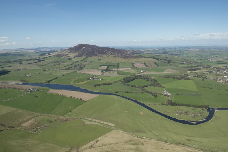 General oblique aerial view of the Upper Clyde Valley centred on Tinto Hill, looking to the NW.