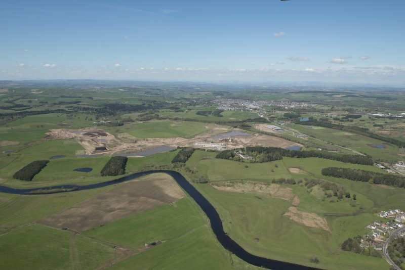 General oblique aerial view of the Upper Clyde Valley centred on  Hyndford Quarry, looking to the W.