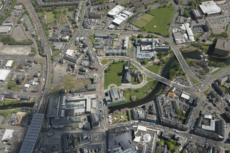 General oblique aerial view of the centre of Paisley centred on Paisley Abbey, looking to the E.