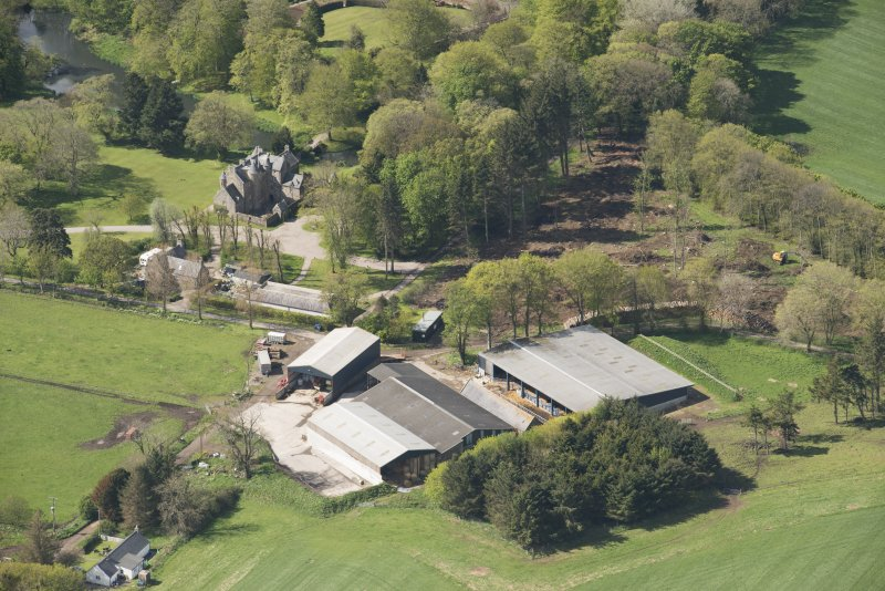 Oblique aerial view of Schivas House and farmstead, looking to the SSW.