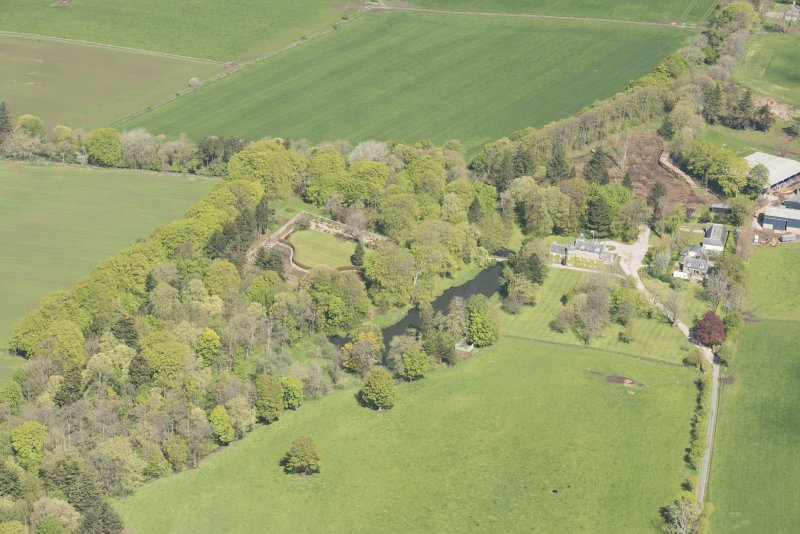 Oblique aerial view of Schivas House, looking to the NNW.