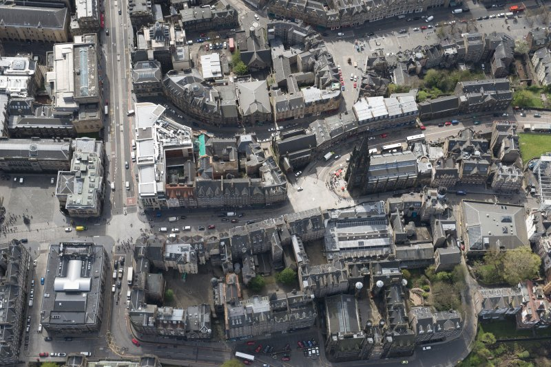 Oblique aerial view of The Lawnmarket, Edinburgh, looking to the S.