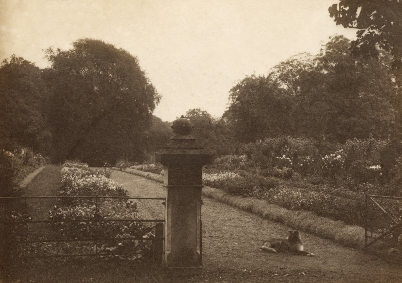 Page 15v View of garden gate. PHOTOGRAPH ALBUM NO 248: Douglas Support