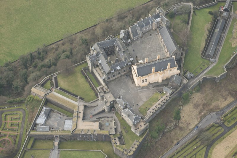 Oblique aerial view of Stirling Castle centred on the Great Hall, looking WNW.