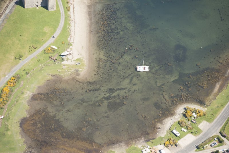Oblique aerial view of Loch Ranza fish trap, looking to the NE.