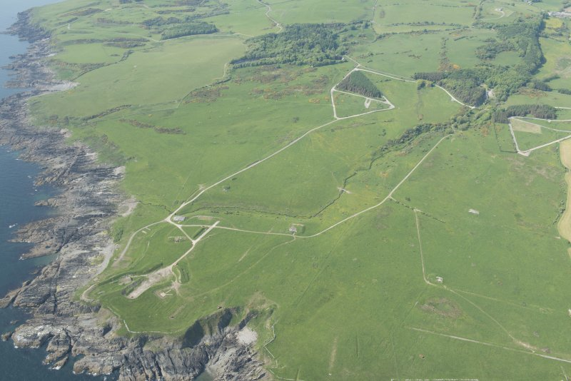 General oblique aerial view of the W part of the Kirkcudbright Training Area centred on Balmae and Little Balmae with Gipsy Point in the foreground, looking NNW.