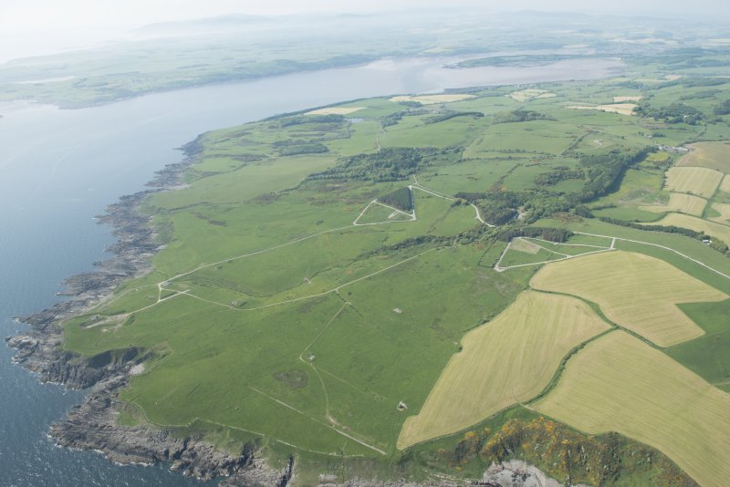 General oblique aerial view of the W part of the Kirkcudbright Training Area centred on Balmae, Little Balmae and Gipsy Point in the foreground, looking WNW.
