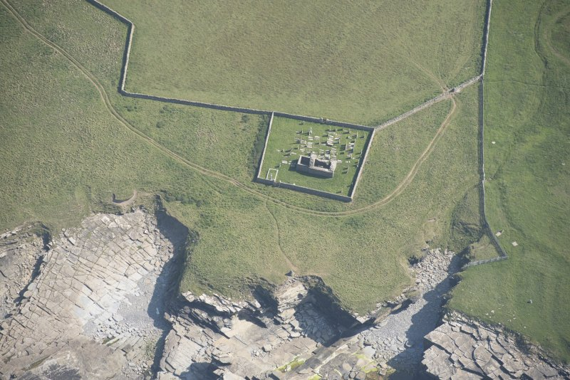 Oblique aerial view of St Mary's Chapel, looking to the S.