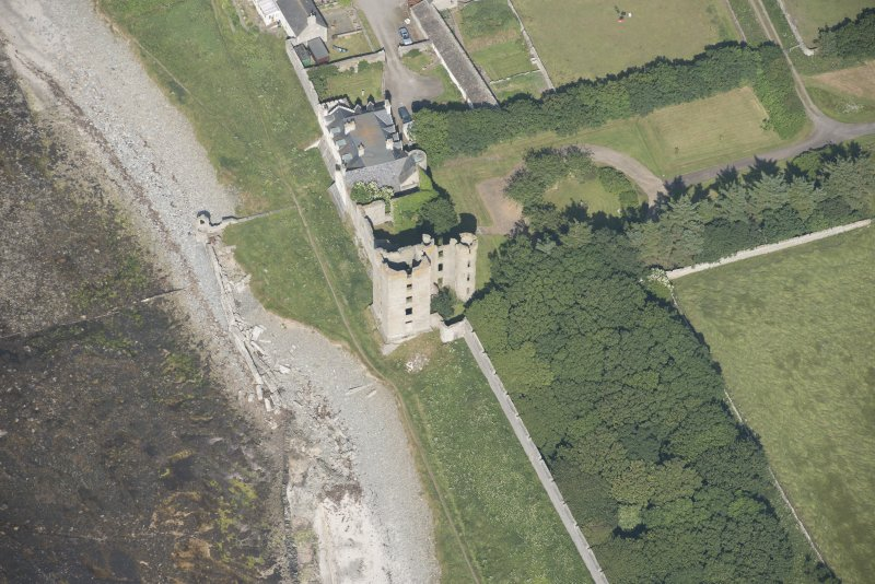 Oblique aerial view of Thurso Castle and East Mains farmstead, looking to the ENE.