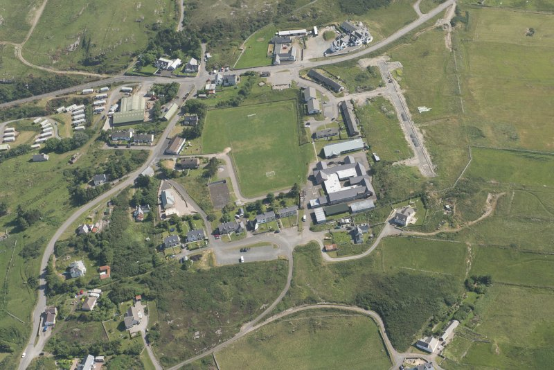 Oblique aerial view of Bettyhill, looking to the SE.