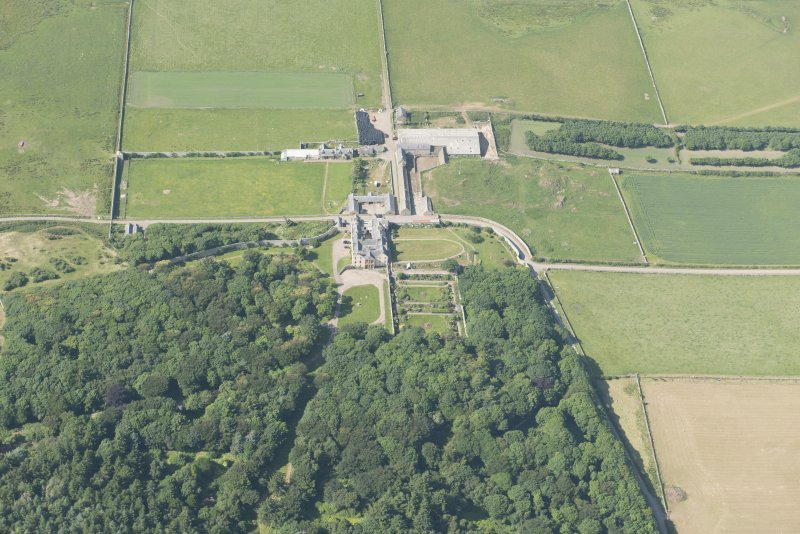Oblique aerial view of Sandside House, looking to the NW.