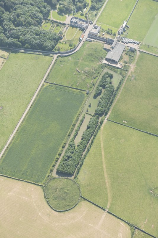 Oblique aerial view of Sandside House, looking to the SW.