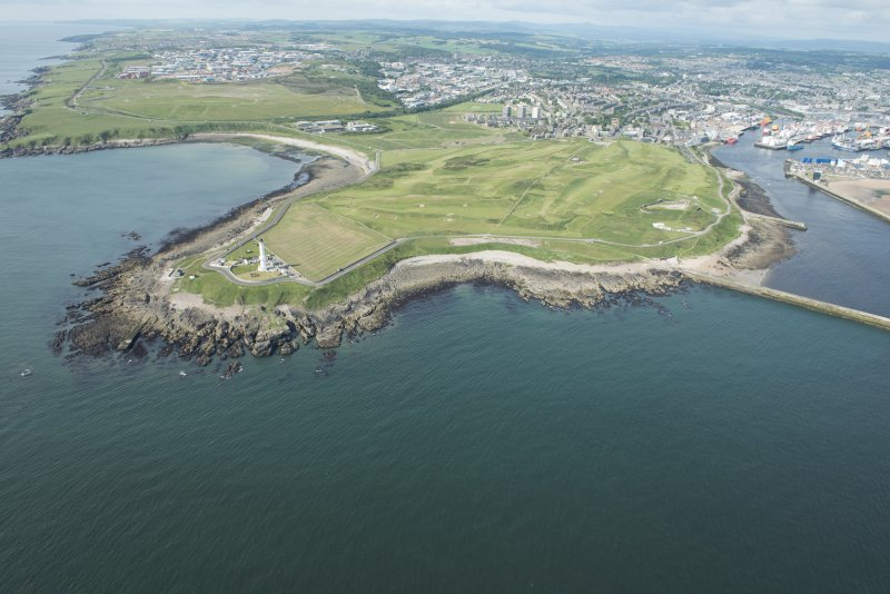 Oblique aerial view of Girdleness Lighhouse and Balngask Golf Course, looking WSW.