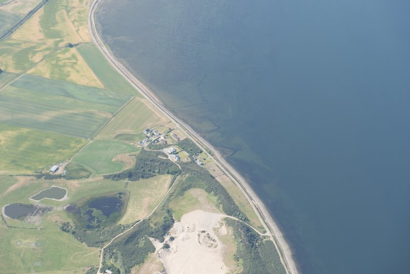 Oblique aerial view of the fish traps at Brecknish, looking SSW.