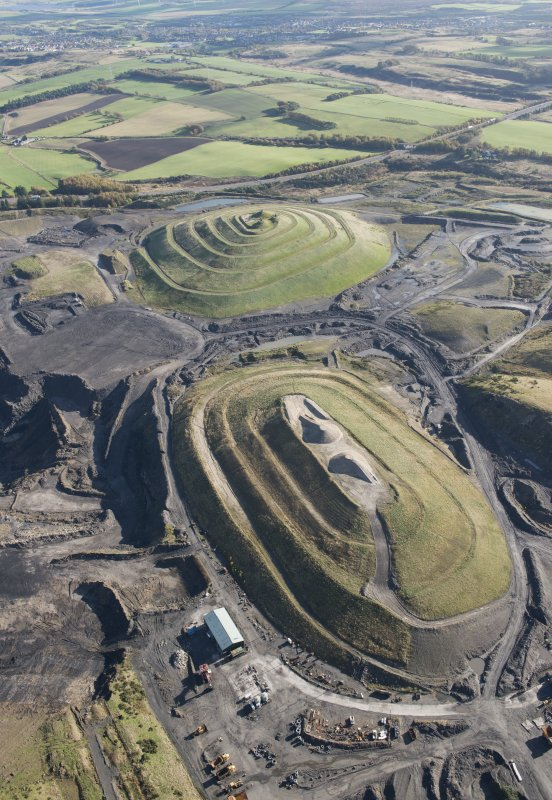 General oblique aerial view of St Ninian's Open Cast Mine, centred on the Sculptured Landscape by Charles Jenks, looking to the E.