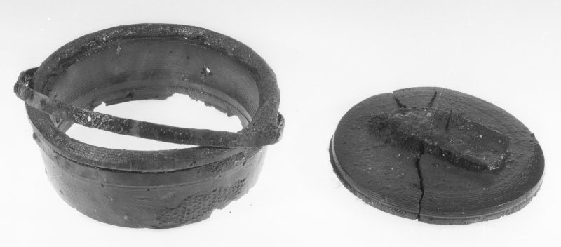 Intact compass bowl with brass gimbal-ring and associated base (DP97/A035, 050). (Colin Martin)