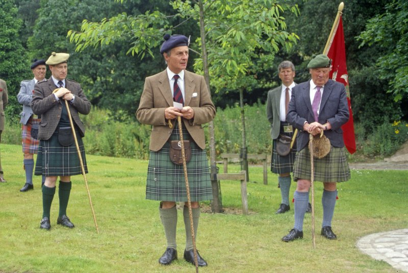 Sir Lachlan Maclean of Duart and Morvern (centre), flanked by clan dignitaries, opening a memorial to his clansmen who fell with the 11th Chief, Sir Hector, at the battle of Inverkeithing on 20 July 1651, when a Royalist Highland army was defeated by Cromwell's forces in Scotland. The occasion was the 350th anniversary of the battle. (Colin Martin)