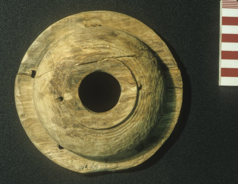 Top view of the upper part of a wooden lantern (DP99/002). Scale 10 centimetres. (Colin Martin)