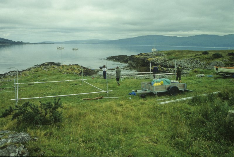 Preparing the two 5m scaffold grids for the wreck survey. The right hand one is being carried to the boat for transport to the site. (Paula Martin)