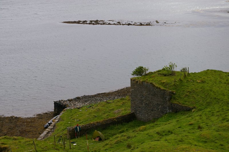 Kiln 3 and its extension from the N, showing the quay on the left. Beyond, at top centre, is a horseshoe-shaped reef (an Càrn = pile of stones) which appears to have served as a ballast dump. (Colin Martin)