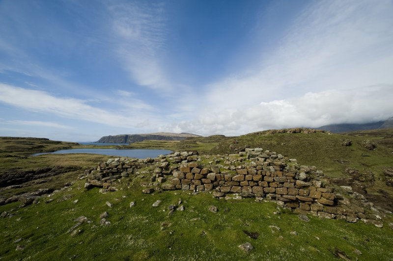 Headland fort, wall from interior looking N over Loch na h-Airde. (Edward Martin)