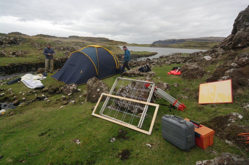 Setting up base camp on site in 2009. (Colin Martin)