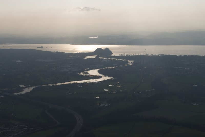 General oblique aerial view of the Firth of Clyde and Dumbarton Castle, looking to the SSW.