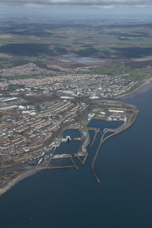 General oblique aerial view of the town of Methil and Methil Docks, looking N.