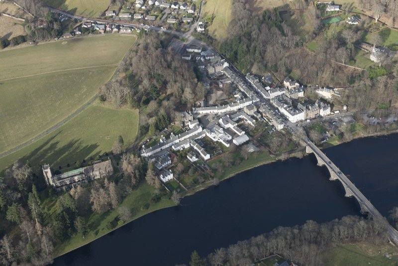Oblique aerial view of Dunkeld, Dunkeld Catherdral and Cathedral Street Drill Hall, looking NNE.