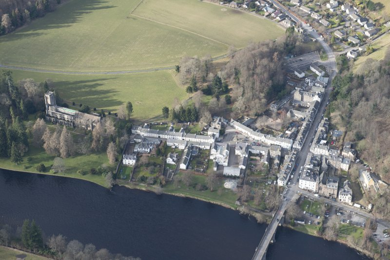 Oblique aerial view of Dunkeld, Dunkeld Catherdral and Cathedral Street Drill Hall, looking NNW.