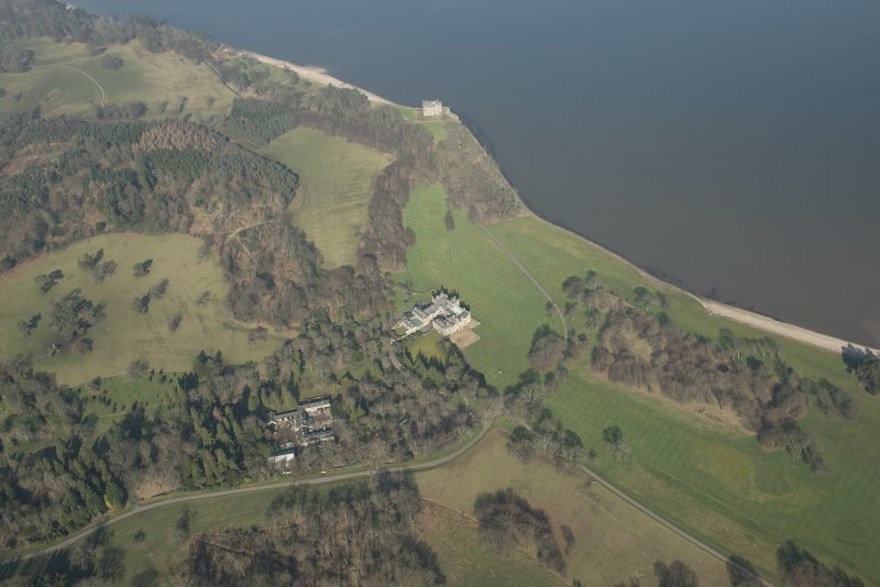 Oblique aerial view of Dalmeny House and Barnbougle Castle, looking to the NNE.