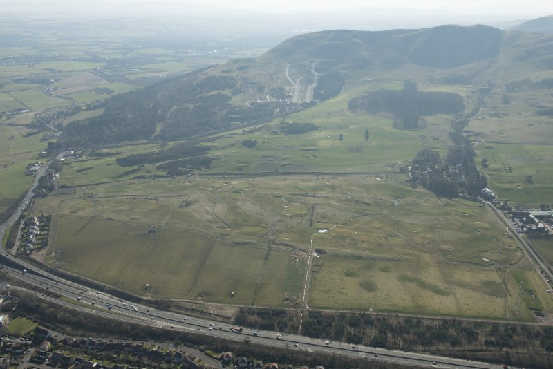 Oblique aerial view of Lothianburn Golf Course and Hillend Ski Slope, looking to the S.