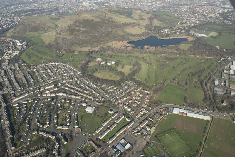 Oblique aerial view of Prestonfield House and golf course and Holyrood Roman catholic Secondary School, looking to the N.