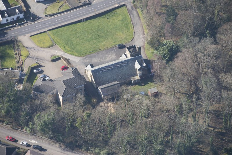 Oblique aerial view of Cardross, Geilston Hall and Drill Hall, looking SW.