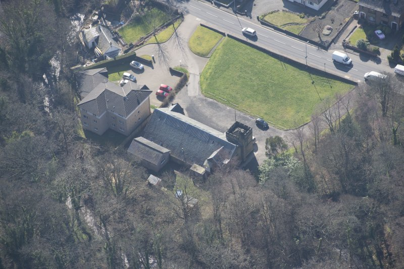 Oblique aerial view of Cardross, Geilston Hall and Drill Hall, looking SSE.
