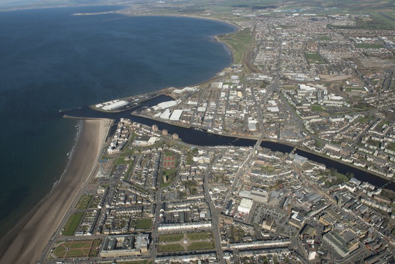 Oblique aerial view of Ayr and main harbour, looking N.
