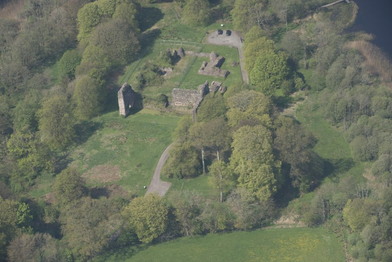Oblique aerial view of Lochmaben Castle, looking NW.
