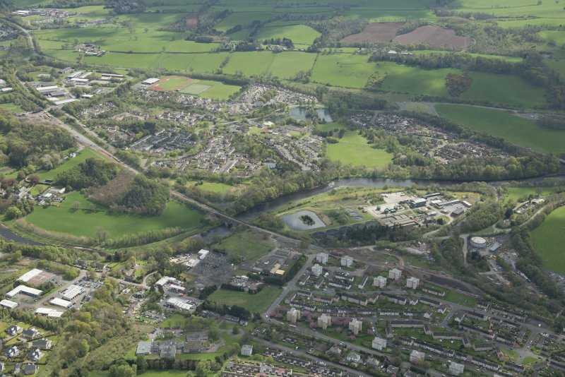 Oblique aerial view of Galashiels, Redbridge Viaduct and construction of the Hawick to Edinburgh Branch Line, looking ESE.