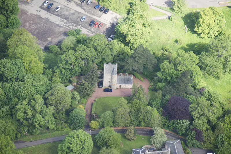 Oblique aerial view of Cramond Tower, looking N.