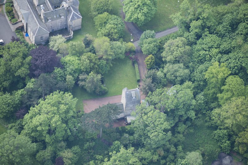 Oblique aerial view of Cramond Tower, looking S.